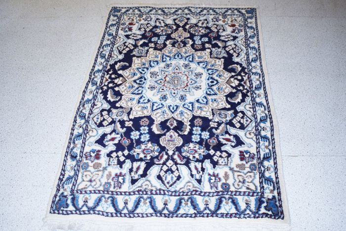 Persian carpet Nain with silk - 20th century