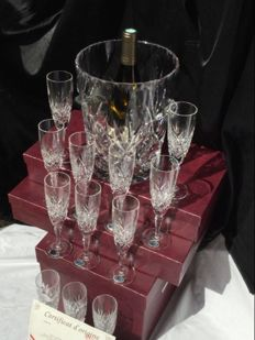 Exceptionally beautiful SISSI champagne set __Large cut crystal champagne cooler with Twelve cut Crystal flute glasses LEMBERG crystal, signed Goebel - 20th century