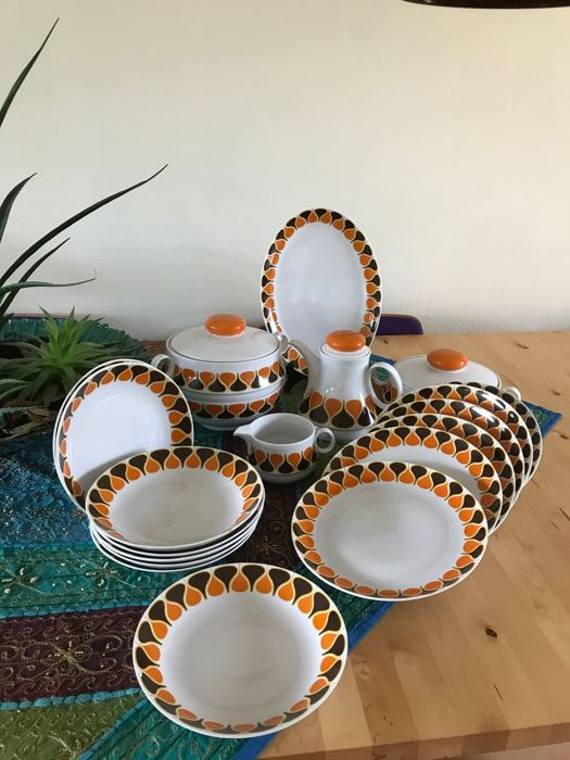 Brocante Eschenbach porcelain tableware set in white, brown and orange