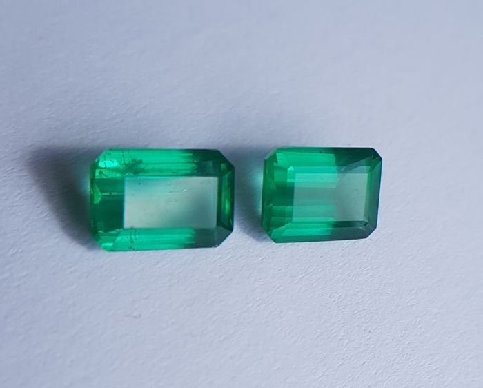 Pair Intense Green Emeralds - 3.15 ct - No Reserve