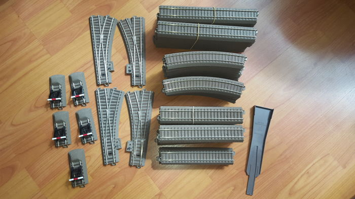 Trix H0 - Various rails, points, (DCC ready) and buffer blocks