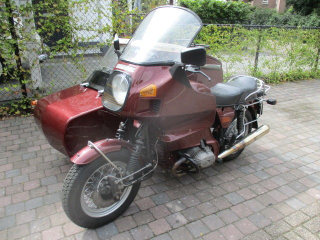 BMW - R80 1000CC with a double sidecar - 1979