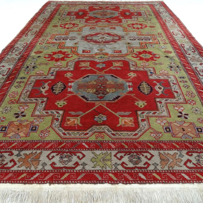"Kazakh - 218 x 137 cm - ""Unique finely knotted, Persian rug in beautiful condition"" - With certificate."