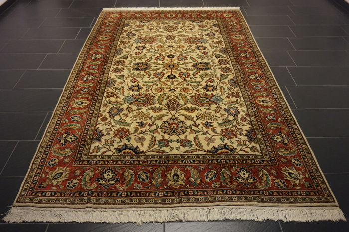 *Semi-antique * Persian carpet *made in Iran *Art Nouveau carpet *Province: Tabriz *185 x 280cm