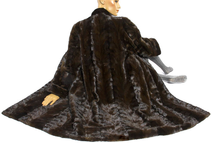 Espresso coloured mink coat elegant design fur coat mink