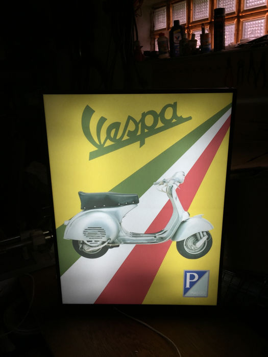 Large Piaggio Vespa model GS 160 double sided Scooter lightbox 68cm x 50cm x 10cm illuminated advertising sign - xxl dealer sign 90s