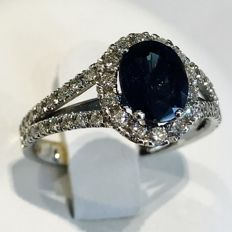 Sapphire diamond cocktail ring, 3.45 ct in total