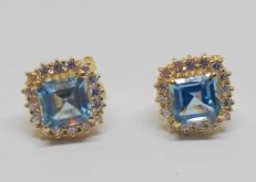 Yellow gold earrings with blue stone and zirconias