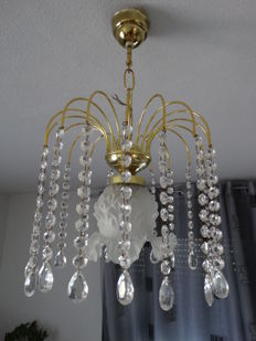 chandelier lamp with a tulip shape shade in the middle