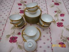 Limoges - lot of 63 pieces: coffee and tea service
