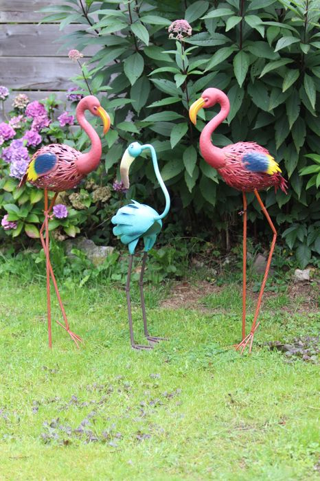 Metal sculptures - 3 large colourful birds - 88 cm - 88 cm - 72 cm