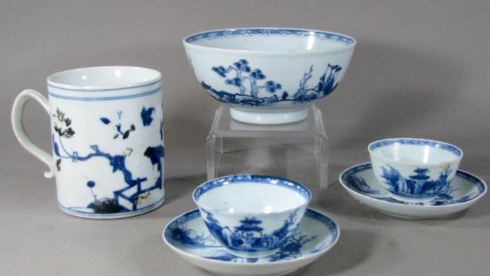 Collection of Nanking cargo porcelain with Christie's labels - China - circa 1750