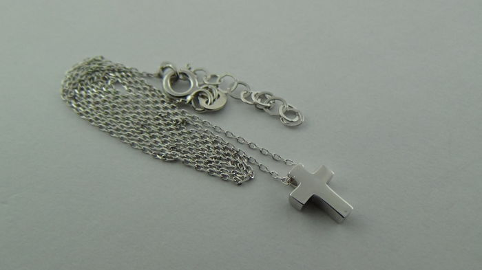 14 kt white gold necklace with a cross - length 44.5 cm