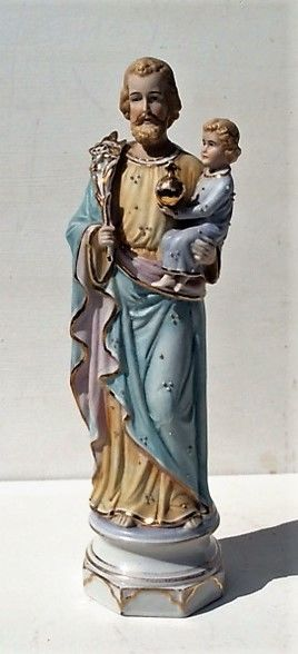Saint statue with baby Jesus on the arm - Bisque statue - Belgian – 1st half 20th century - bottom closed