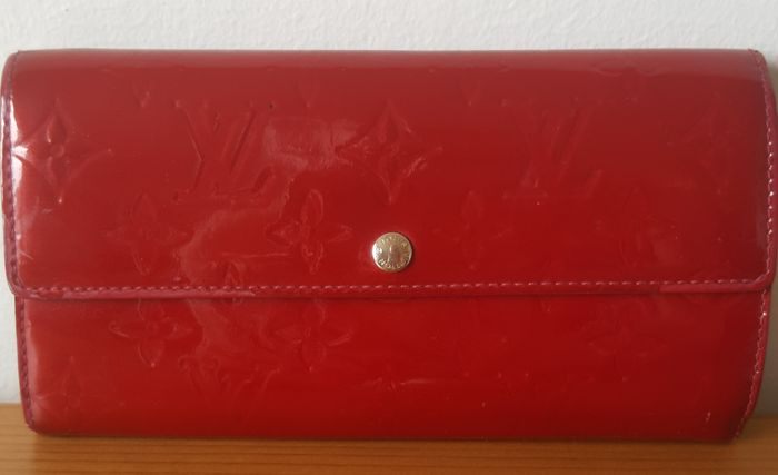 Louis Vuitton - Framboise Pink Monogram Vernis Sarah  Wallet - *No Minimum Price*