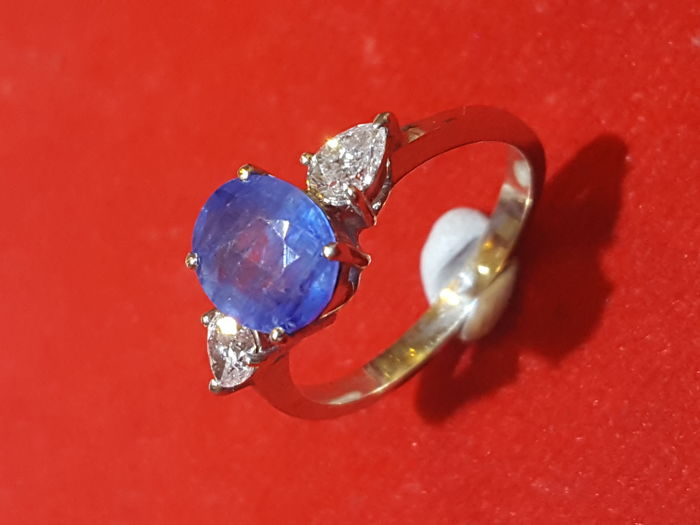 Ring in 18 kt gold with sapphire and diamonds, 0.18 ct, size 10.5 - 50.5 ***no reserve price***