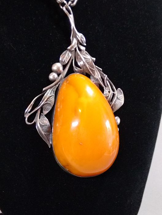 Necklace in silver with large natural amber approx. 6 x 4 cm butterscotch, 68 g