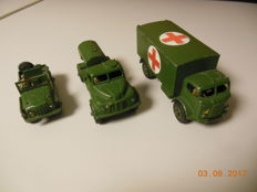 Dinky Toys - Scale 1/43 - Lot with 3 Military Models: Nos. 626, 643 and 674