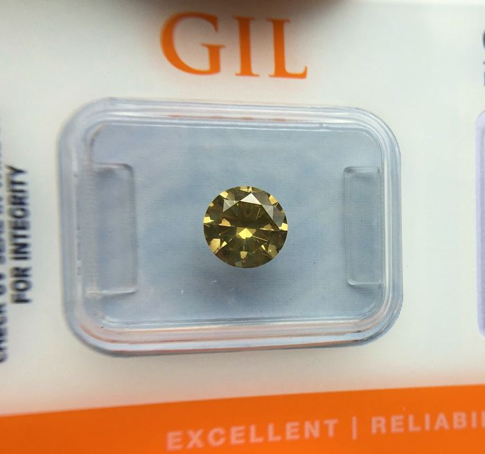 Diamond - 1.03 ct - Natural Fancy Greenish Yellow  VS2 - No Reserve Price