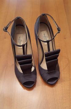 VALENTINO GARAVANI – women's court shoes – size 37 IT – MADE IN ITALY