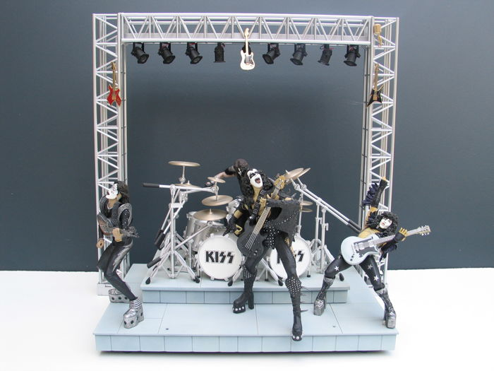 Kiss-stage + 4  DVD's.