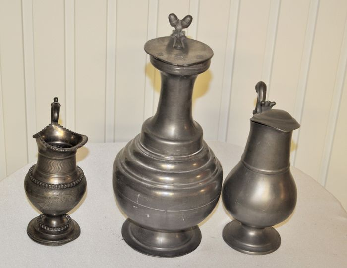 Lot of 3 pewter jugs