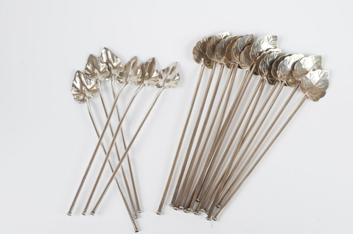 Lot of 19 silver long drink straws, Mexico, second half 20th century