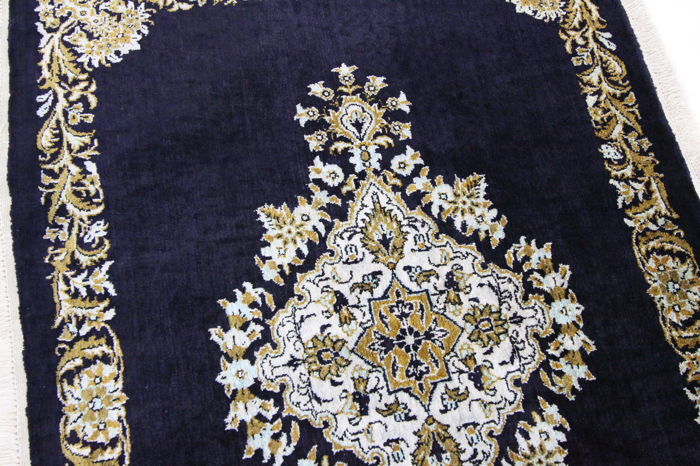 Fine Persian carpet Qom 100% authentic silk Versage Design 0.85 x 0.59 hand-knotted Oriental carpet great condition