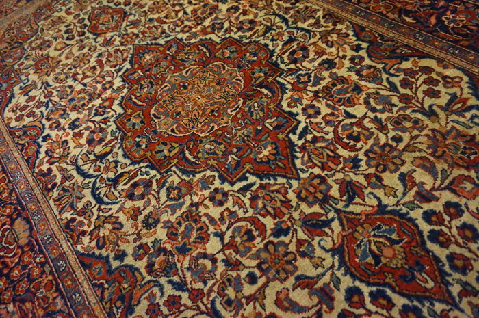Authentic antique finely hand-knotted Persian palace carpet, Kashan, cork, 124 x 215 cm, made in Iran