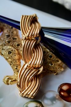Beautiful 18 kt (750) solid gold bracelet with nice design - Weight of the item: 41,5 g - Made in Italy - Excellent state/ like new.