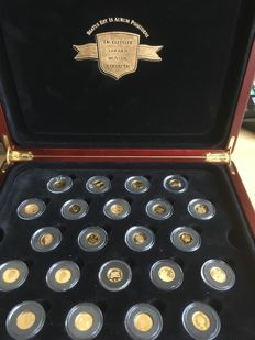 World – collection case with the 22 smallest coins from various countries – gold