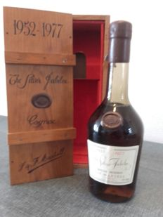 Martell Silver Jubilee 19521977 SpecialReserve Cognac- 1 bottle in original Wooden Box and Certificate