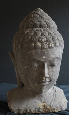A heavy (46 kg) Buddha head (stone) in the BOROBUDUR style - Indonesia - second half of the 20th century