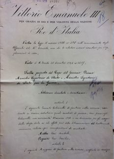 Victor Emmanuel III and Benito Mussolini - Military decree with original signatures - 1926