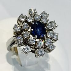 Sapphire and diamond cocktail ring - total weight of the stones: 3.45 ct - ring size 54.5 (17.5)