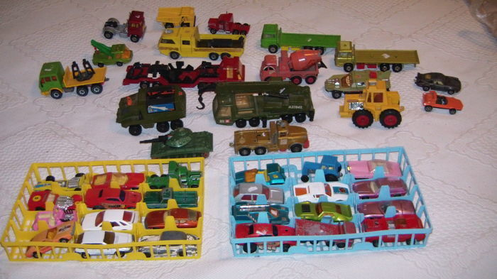Model cars: Lesney Matchbox,  Siku verhicles and Dinky Toys war vehicles