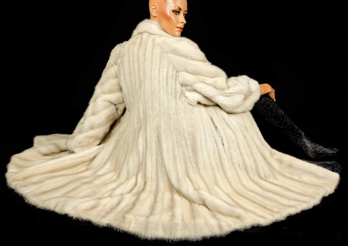 Luxury light mink fur coat, pearl fur coat