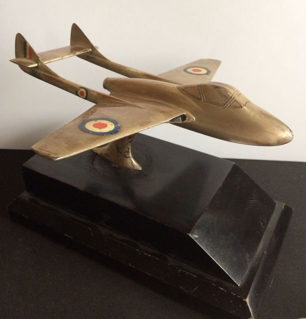 Royal Air Force Aircraft Model, de Havilland Vampire FB Mk. 5, given as a present, desk ornament