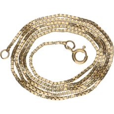14 kt yellow gold Venetian link necklace – Length: