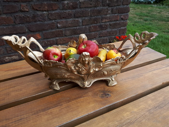 Thick bronze empire style fruit bowl 3,100kg - 49 cm