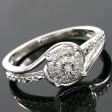 14kt White Gold Ring Set With 0.20 ct Natural Diamonds - 6.75  - No reserve