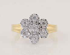 """18 kt white and yellow gold diamond ring, 0.77 ct / G-H VS1-SI1 – 6.20 g – 57 – """"NEW"""""""