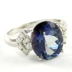 14 kt White Gold 0.33 ct Diamonds, 4.50 ct Blue Topaz Ring  Size: 7