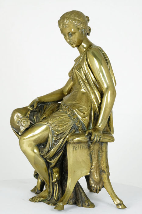 Auguste Joseph Peiffer (1832-1886) - Bronze sculpture of a lady with oil lamp  - France- 2nd half of the 19th century.