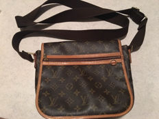 Louis Vuitton – bag with shoulder strap