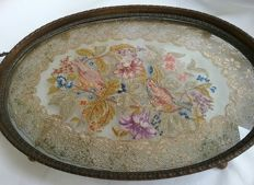Tray with embroidery between glass - Italy - ca. 1900