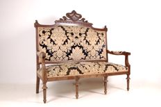 Classic style sofa, wooden structure with damask upholstery Very elegant and spectacular - Italian manufacture - early 20th century