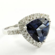 14 kt White Gold 0.47 ct Diamonds, 3.11 ct Blue Topaz Ring  Size: 7