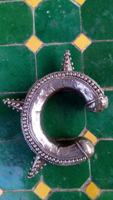 Yemeni or Saudi Arabian Bedouin bracelet with spikes