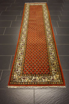 Magnificent hand-knotted oriental palace carpet, Sarouk Mir runner 82 x 300 cm, Made in India, best highland wool
